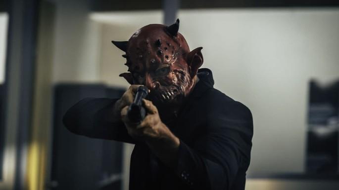 2 - Películas de Acción - Bloody Hell
