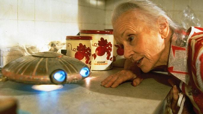 22 - Peliculas de extraterrestres - Batteries not included - Milagro en la calle 8