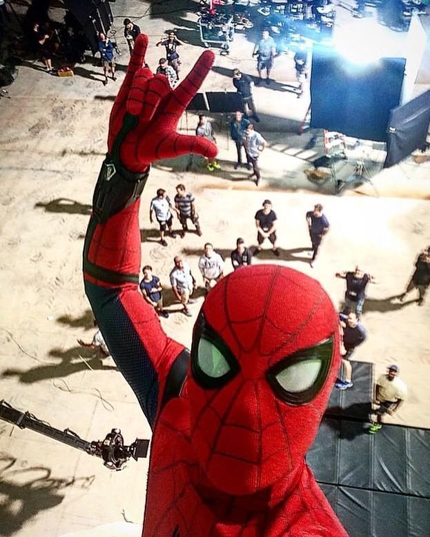 spider-selfie